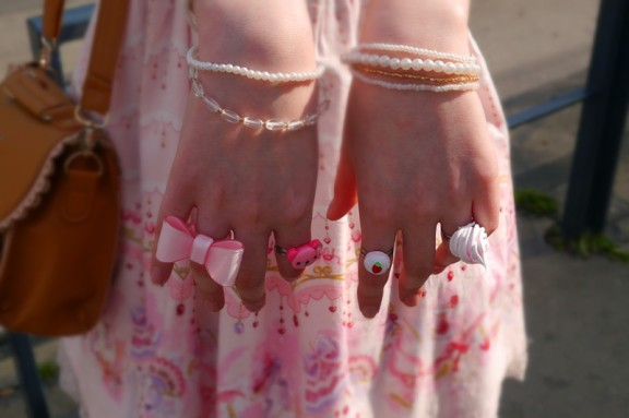 <3 adorable rings